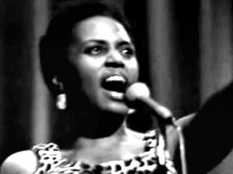 LOVE THIS:::::: Miriam Makeba - Mas Que Nada