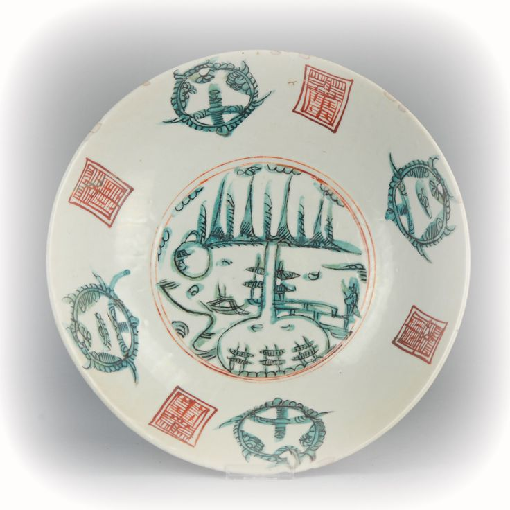 """A fantastic 17th transitional Zhangzhou plate with the two pagoda scene. Great large size and highly collectable. These so called Swatow wares from the Zhangzhou province in China are know as """"peoples wares"""" since they were not made for the emperor and not made in Jingdezhen. The decoration on Swatow ware is fantastic and freely done. Without strict regulations like on Jingdezhen pieces. #Swatow #Chineseculture #Ming #Qing #Porcelain #Charger #tableware #homedecoration #collectorsitem .."""