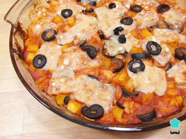 Aprenda a preparar bacalhau desfiado com batata e molho de tomate com esta excelente e fácil receita. Você está procurando uma receita de bacalhau bem coringa para...