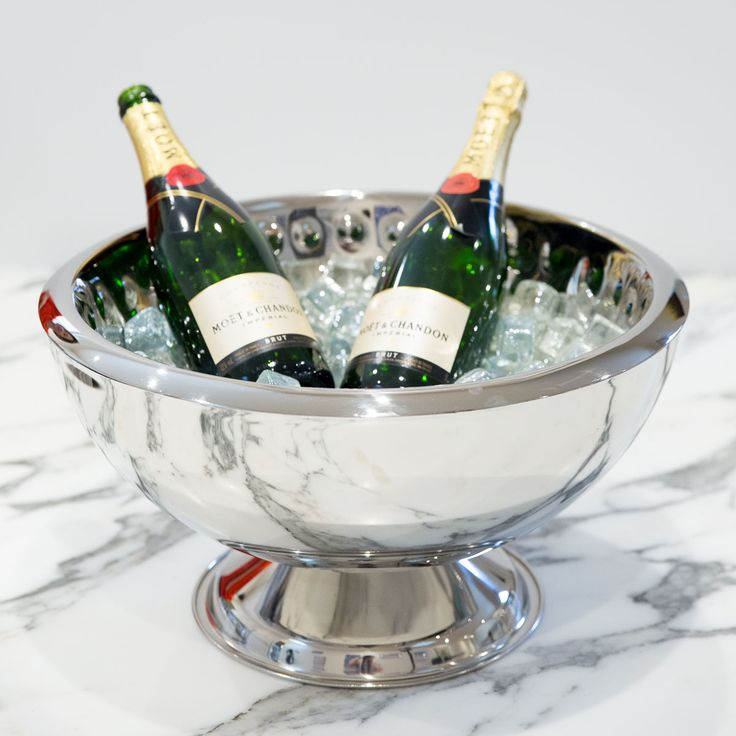 Entertain in style with the very stylish Manhattan Ice Bucket. Also doubles as a punch bowl #entertaining #interiordesign #homestyling #icebucket #champagne