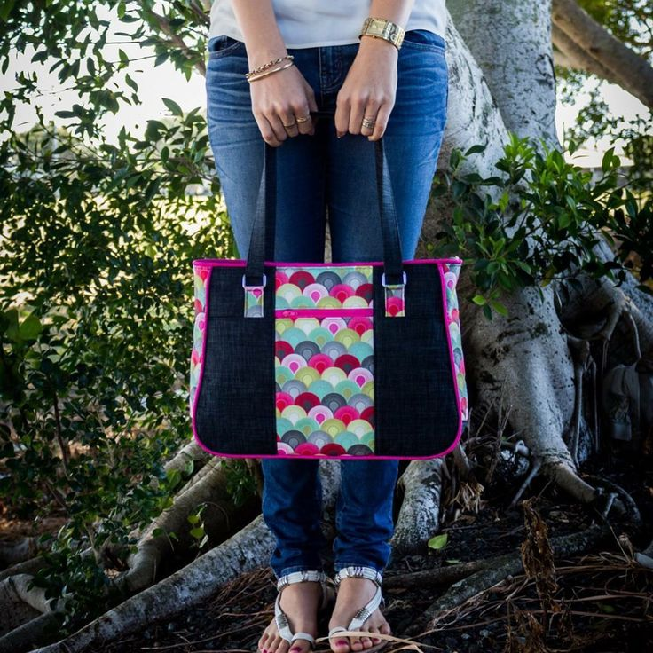 Love this pic of the Goin' Uptown Tote!  www.craftsy.com/user/pattern/store/2657567