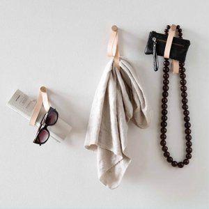 Double Loop leren hanger Licht eiken en leer van by Wirth licht eikenhout en leer byJensen