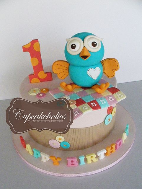 Giggle & Hoot Cake by Cupcakeholics, via Flickr