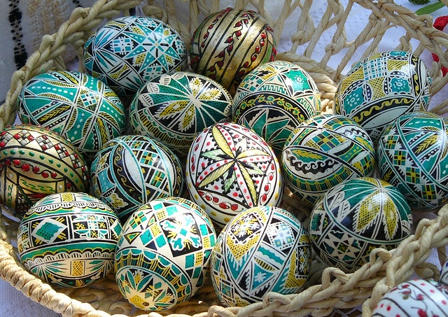 romanian painted easter eggs