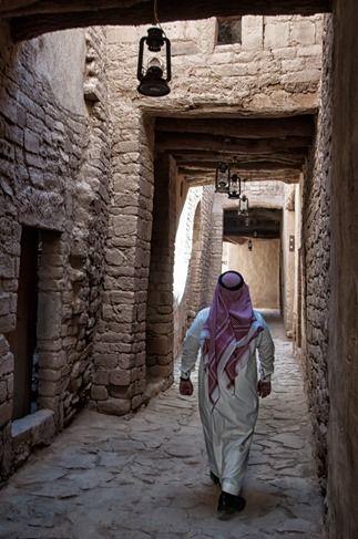 Walking the streets of the old city of Al-Ula #Saudi Arabia