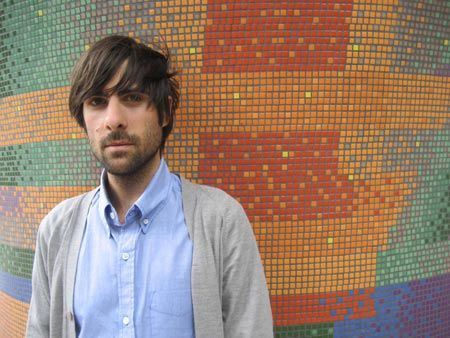 work that cardi, schwartzman.    (ps: this is from a blog called 'bearded men in knitted things.'  internet heaven!)