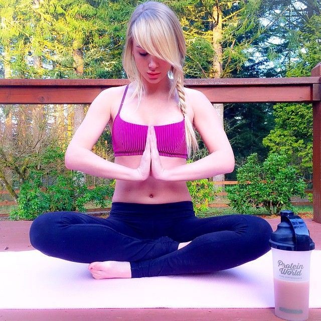 Sara Underwood Yoga 107 best images about ...