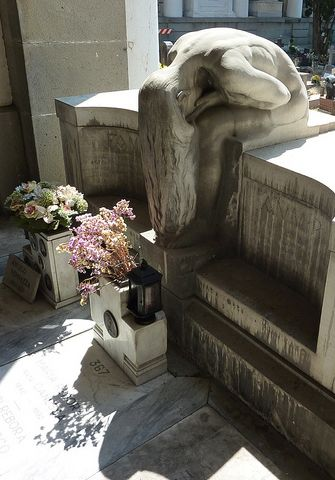 The monumental Cemetery of Staglieno, Genoa, Italy, unknowm sculptor, unknown photographer ©