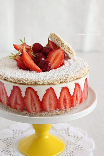 Pastel de fresas y crema de vainilla. Delicioso!!!! #mercavima