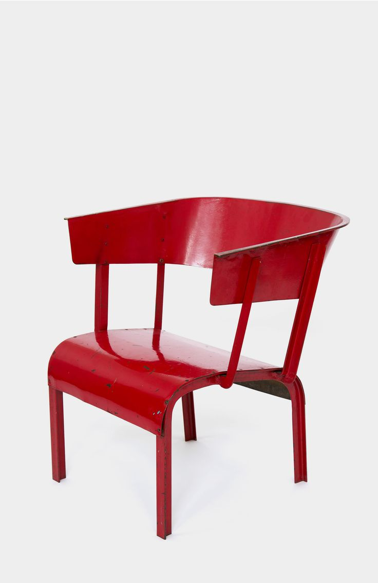 "Gerrit Thomas Rietveld. Prototype ""Lage stoel"" | Centraal Museum Utrecht"