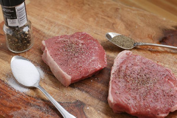 Venison steaks need to be cooked properly to prevent the meat from having a tough texture. Venison meat is low in calories, cholesterol and fat. Replace beef and pork with venison in recipes for a healthier diet. Brown venison steaks fast over high heat. Overcooking the deer meat will cause it to lose its flavor and texture.