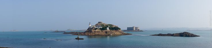phares et balises | Carantec, pointe de Penn Al Lann en fin de matinée  - île Louët et son phare et plus loin, le château du Taureau  - 08 septembre…