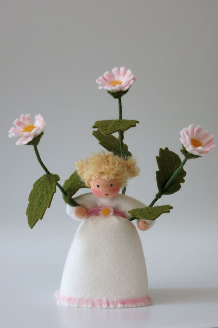Daisy II Flower Child Waldorf Inspired door KatjasFlowerfairys