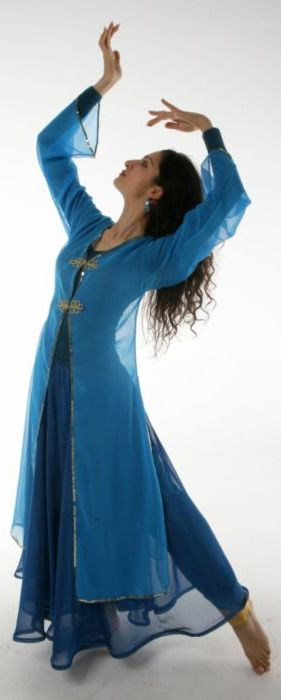 ♥ Persian Dance - Sahar Dehghan Pose