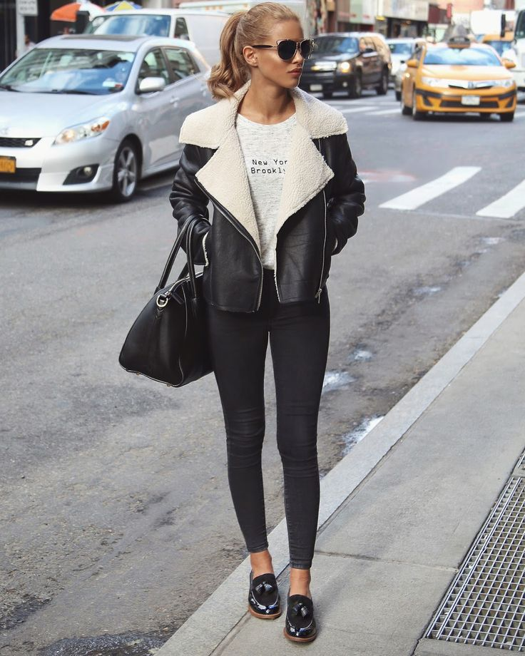 NEW YORK Shearling Jacket - Glamorous (Here)Double Bridge Sunglasses / Similar (Here)High Waist Jeans - Topshop (Here)New York Tee - Primark N/A online / Alternative (Here)Kettle Tote Bag - Similar Asos (Here)Taylor Spring Loafers - Cloggs...