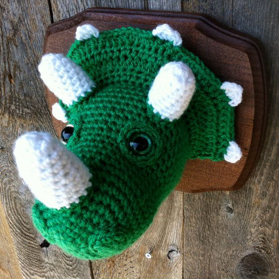 Crochet Taxidermy Triceratops van nothingbutapigeon op Etsy