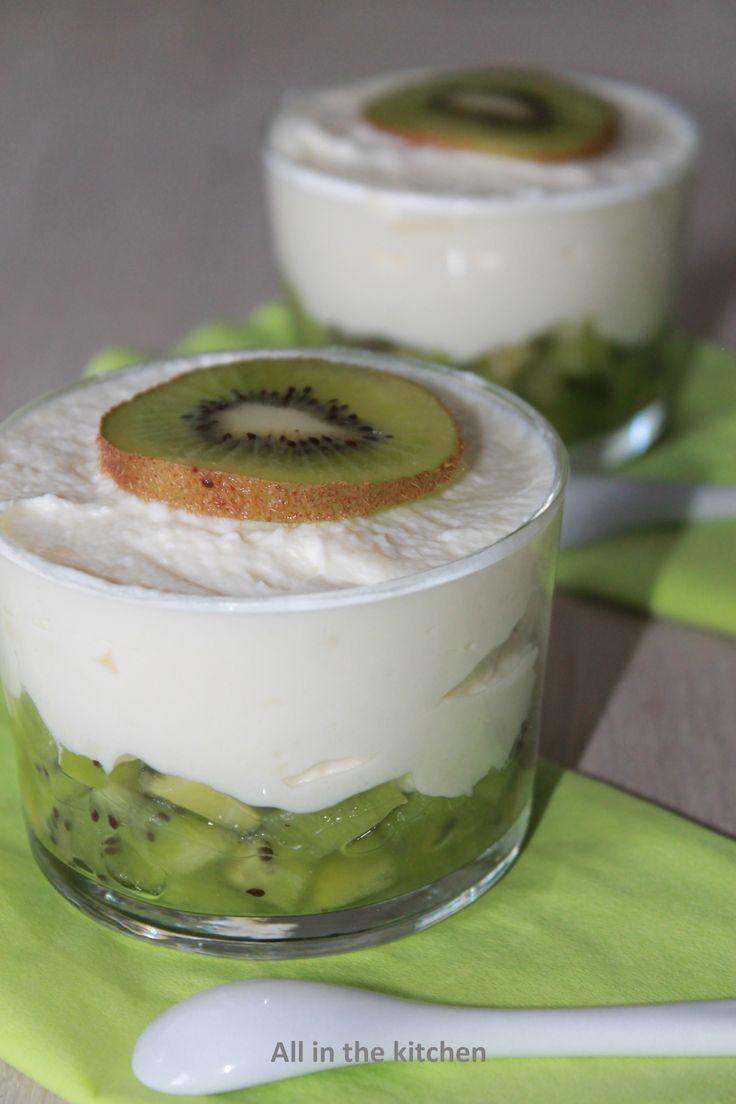 verrine kiwi, mousse au chocolat blanc kiwi, white chocolate mousse