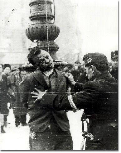 The execution of Sándor Szivós at Oktogon, February 4, 1945.   Source: Hungarian National Museum