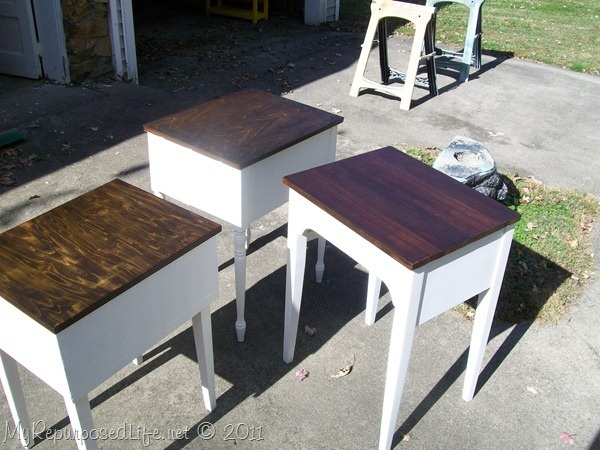 Still loving the painted bottom with stained top - great tutorial here (w/out chalk paint and AS wax).