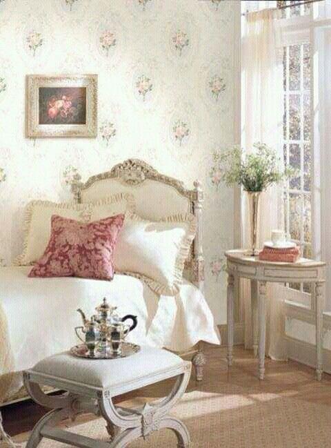 Gast, Schlafzimmer, Shabby Chic Weiß, Echte Frauen, Landleben, Hocker,  Einrichtung, Englisch Auf Dem Land, Land Französisch