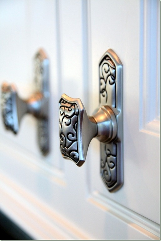 door knobs for the cabinets