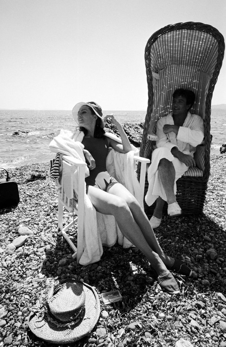 Now that's how you vacation! Adore Audrey Hepburn's spring style STYLE ON THE BEACH