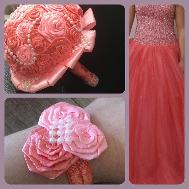 Es muss alles zusammenpassen. Deswegen kann man die Accessoires passend zu der Kleidfarbe bestellen. #brautstrauß #hochzeit #brautjungfern #kanzashi #handmade