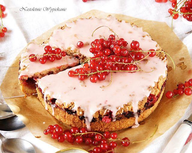 Nastoletnie Wypiekanie: Kruche ciasto z czerwoną porzeczką i różowym lukrem