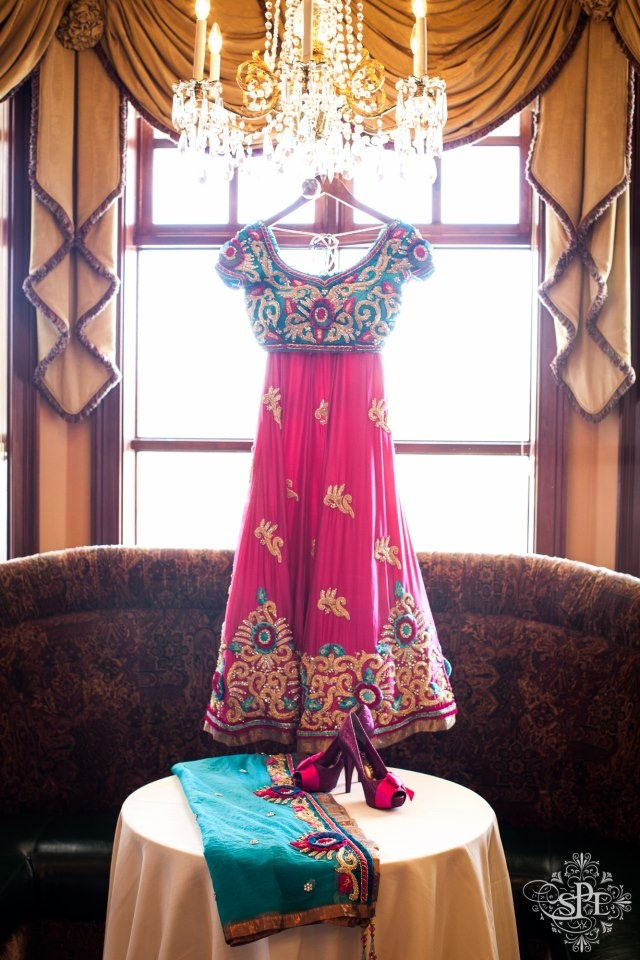 Beautiful Indian Outfit I want this for my 10year anniversary wedding party!!