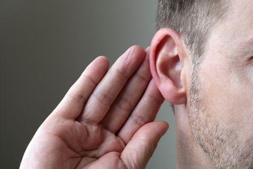Unsere Stimme hat einen nicht unwesentlichen Einfluss auf die Bewertung eines Bewerbers...  http://karrierebibel.de/erfolgreich-bewerben-der-sound-der-intelligenz/