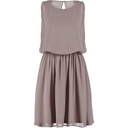 Ein elegantes Kleid in Altrosa von Vero Moda. Ideal für einen femininen Look! ♥ ab 39,95 €