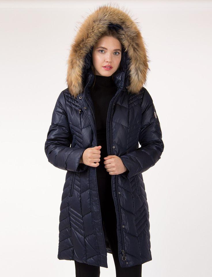 Manteau matelassé et scintillant par Normann / QUILTED