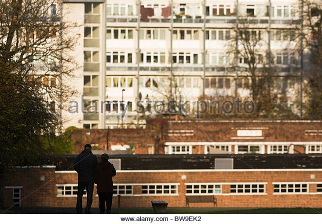 High-rise flats and Brixton Lido seen from Brockwell Park, Herne Hill, South London. - Stock Image