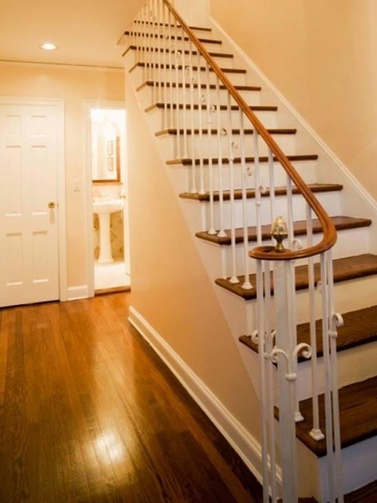 escalier contre marche peinte...