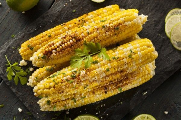 This Clean Eating Mexican Corn on the Cob is so tasty! #mexican corn #cleaneatingcorn