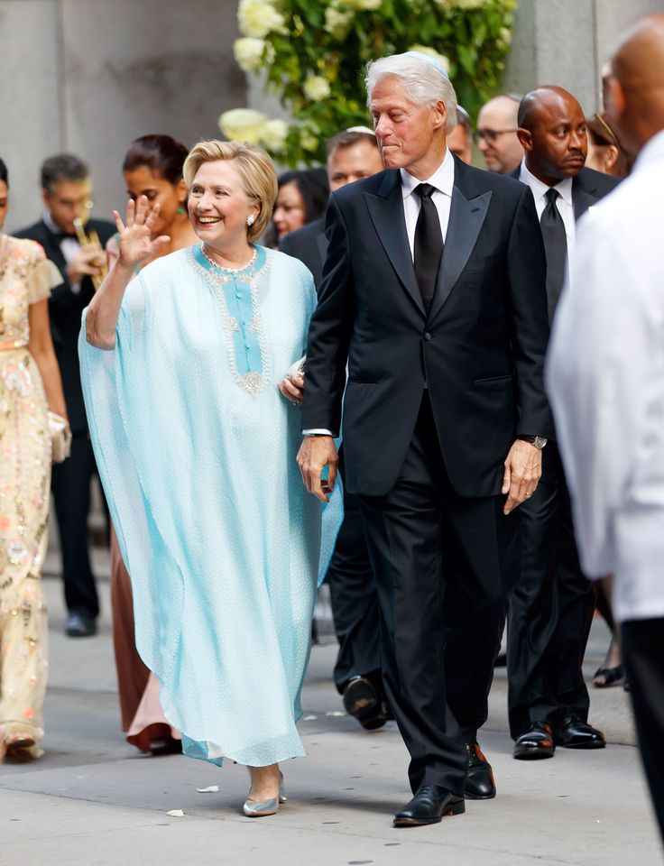 Hillary Clinton Is A Mid-Summer Wedding's Dream In Kitten Heels And A Caftan | HuffPost