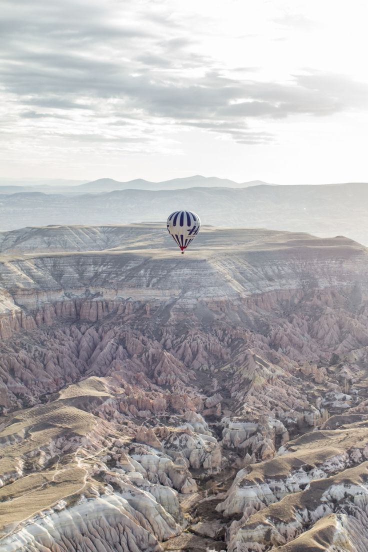 » Survoler la Cappadoce  Bookez votre vol sur https://www.flypgs.com/fr/