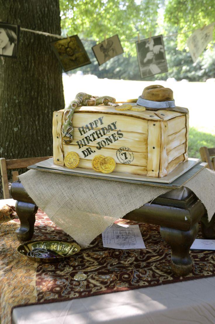 Indiana Jones Cake: Painted fondant
