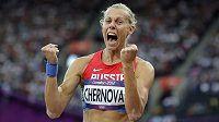Na olympiádě v Londýně se ruská vícebojařka Taťána Černovová ještě radovala, nyní jí však zbyly jen oči pro pláč.