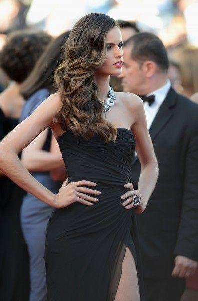 De la nota: Peinados de Fiesta: Los Estilismos de Cannes 2013  Leer mas: http://www.hispabodas.com/notas/2101-peinados-de-fiesta-los-estilismos-de-cannes-2013
