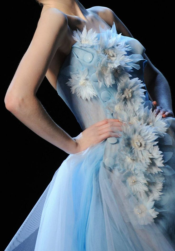 1059 best dior by galliano images on pinterest john for Haute couture history