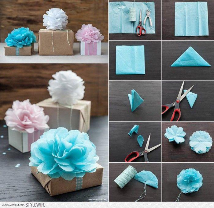 mooie bloemen van gekleurde servetten maken