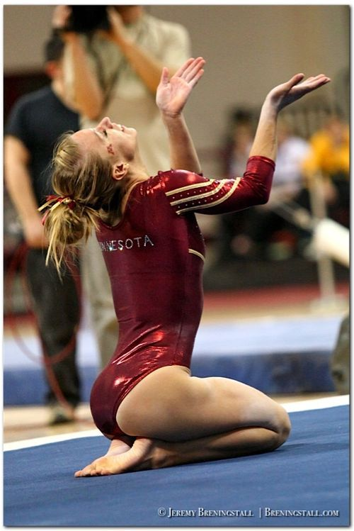 chubby-college-gymnasts