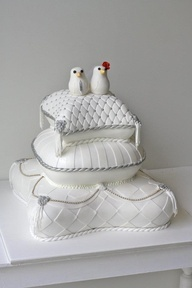 Gorgeous #White #Pillow #Wedding #Cake with #Bird #Toppers! We love and had to share! Great #CakeDecorating!