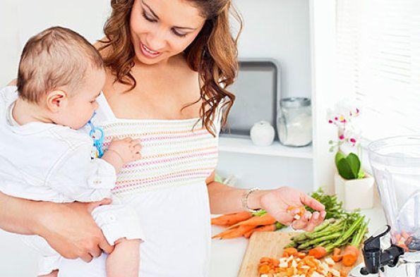 Allattare al seno è forse il momento più intenso tra mamma e bambino. Per affrontarlo con serenità ecco alcuni suggerimenti per mantenere in salute il tuo seno e garantire una buon latte al tuo bambino attraverso una dieta sana.