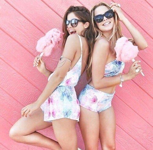 cotton candy + best friends = best summer ever