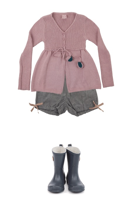 Autumn outfit - V-neck sweater, butterfly bloomers, rain boots - Dundelina
