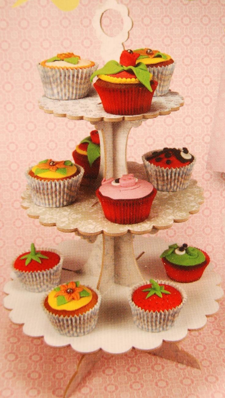Les 25 meilleures idées de la catégorie Gâteau à 3 niveaux sur ...