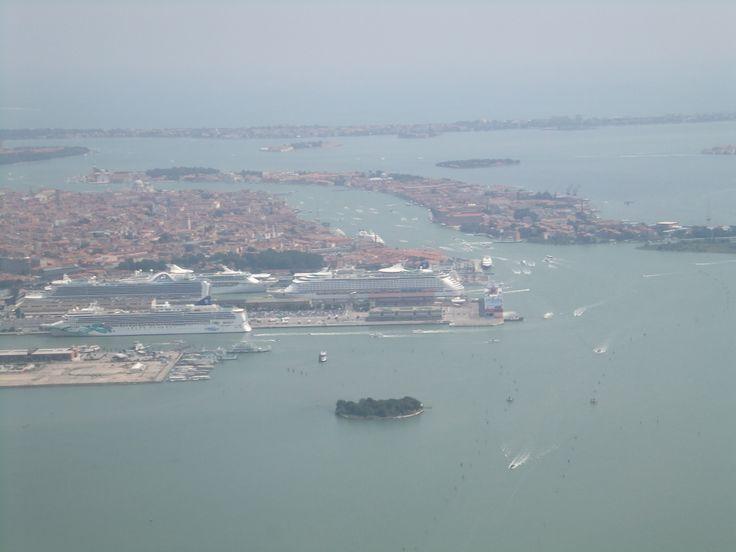 Vista panoramica di Venezia / Panoramic view of Venezia. (16 luglio 2011)