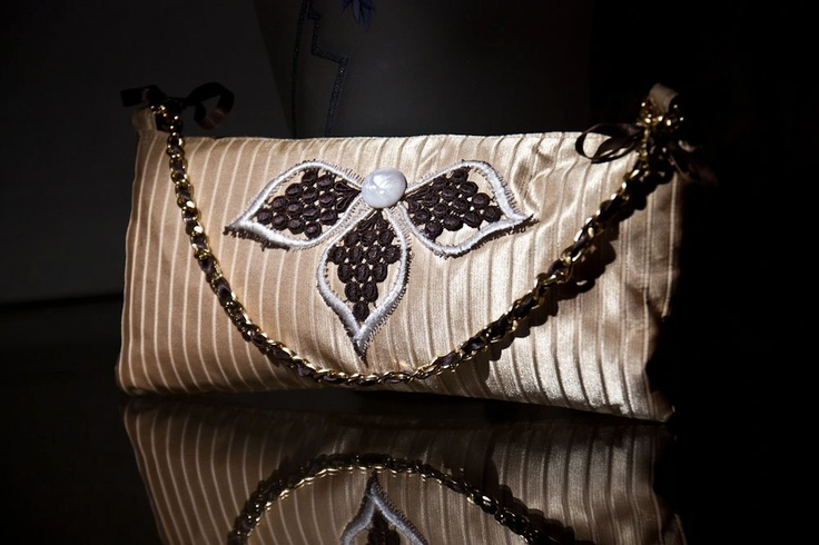 Bag whit chantilly vintage lace and nacre button#bag #handmade #lace #vintage $76,00